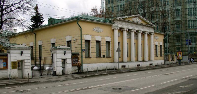 Дом Лопухина на Пречистенке, 11, Leo Tolstoy Museum, Moscow, Prechistenka Street, architect: Afanasy Grigiriev, 1820s