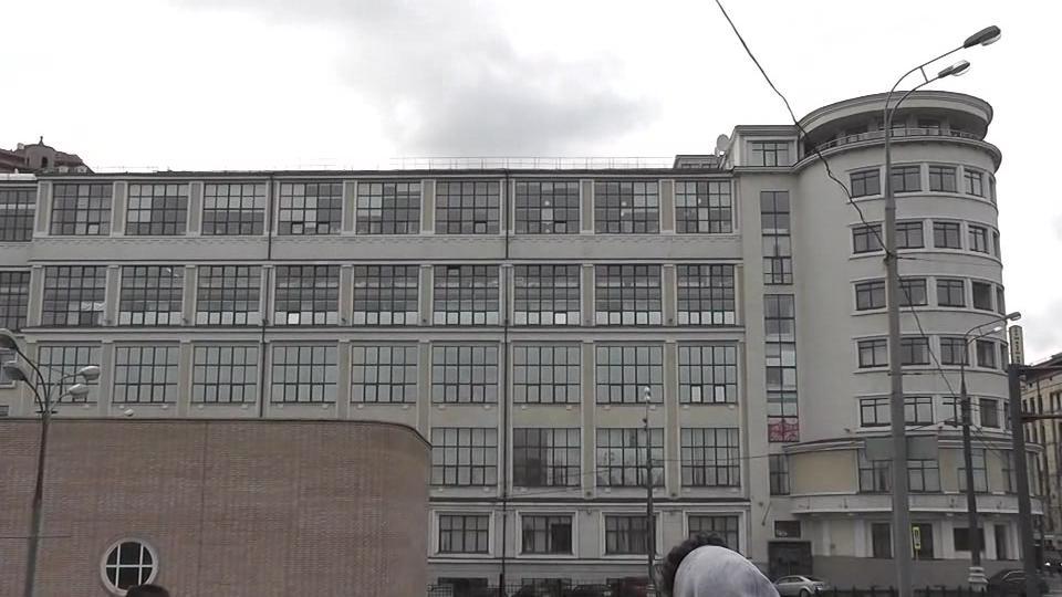 Комплекс зданий ЦАГИ на улице Радио в Москве. Построен группой архитекторов под руководством Александра Кузнецова в 1925-1934 годах.