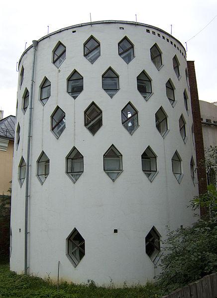 Северный фасад дома Мельникова, Own house of architect Konstantin Melnikov in Moscow